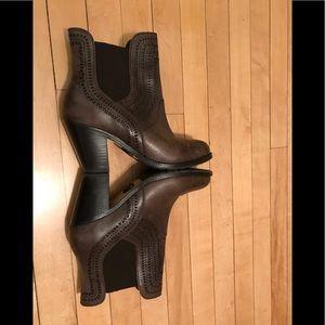 Ariat Versant boot